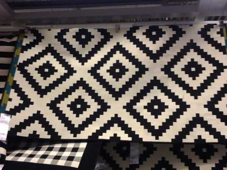 Black and white rug from Ikea