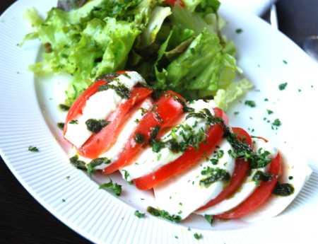 Salad in Paris